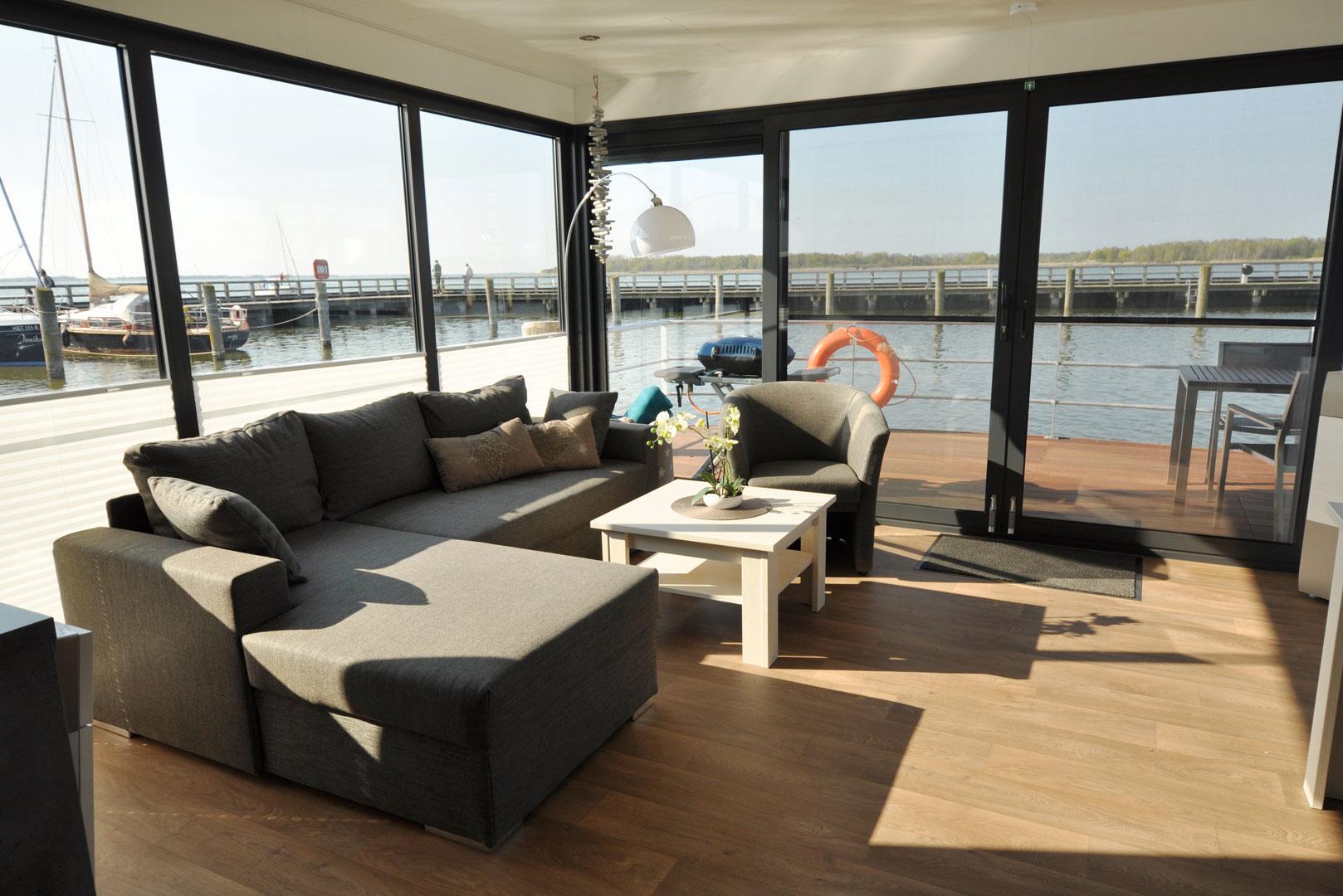 hausboot mieten an der ostsee darss ribnitz damgarten aktivurlaub. Black Bedroom Furniture Sets. Home Design Ideas