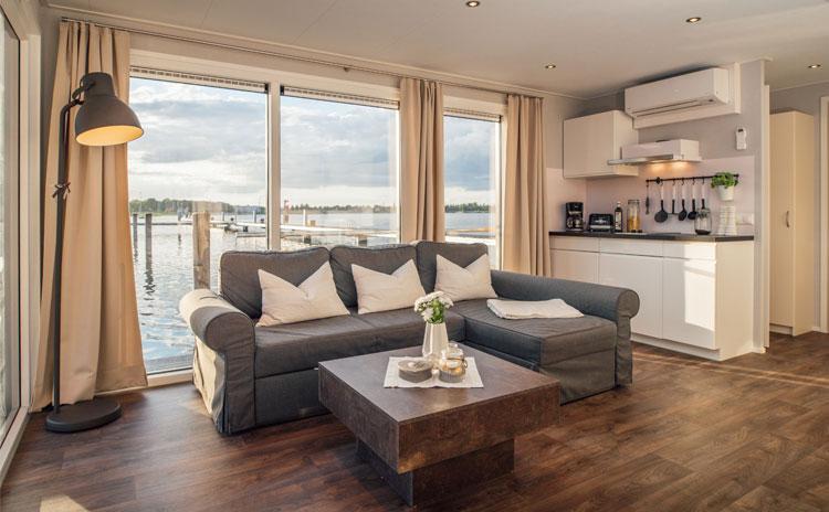 news hausboote und schwimmende h user liegepl tze. Black Bedroom Furniture Sets. Home Design Ideas