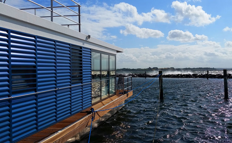 pressestimmen ber floating houses hausboote schwimmende h user und wohnen auf dem wasser. Black Bedroom Furniture Sets. Home Design Ideas